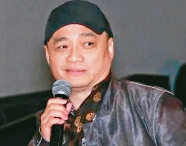 崔永元揭发   中国一警察拥有2.2亿巨款