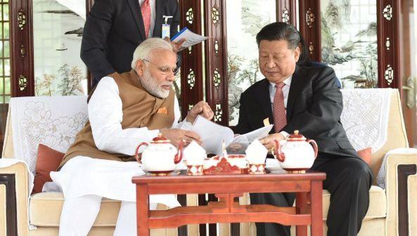 中国抗议印度总理访有争议地区