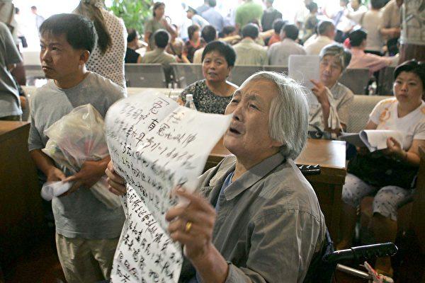崔永元剑指上海警方 背后不简单