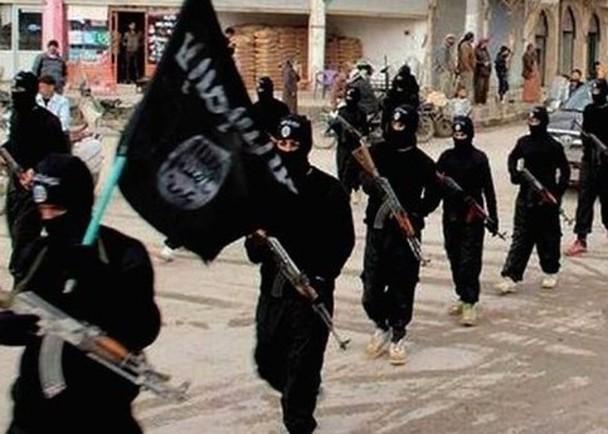 川普要求欧洲接收审讯800名IS囚犯