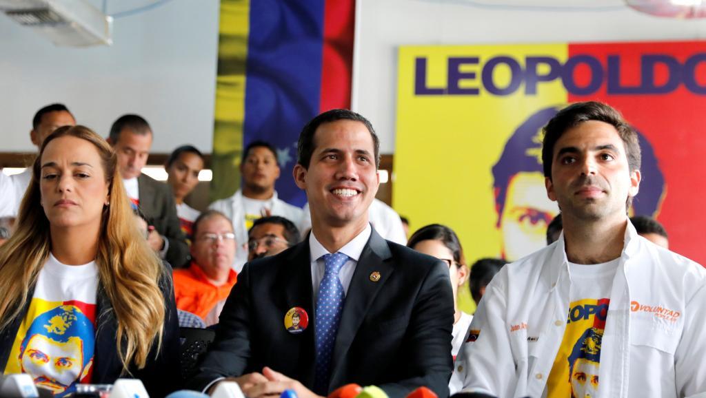 日本宣布:支持委内瑞拉反对派临时总统