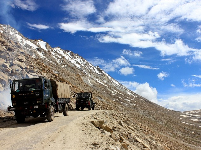 中国在西藏与印度交界处搭建3个5G基站
