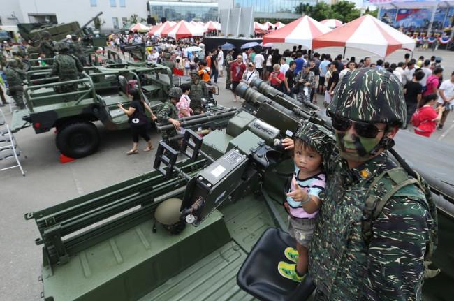 3900亿  台湾为何又被美国狠狠宰一刀