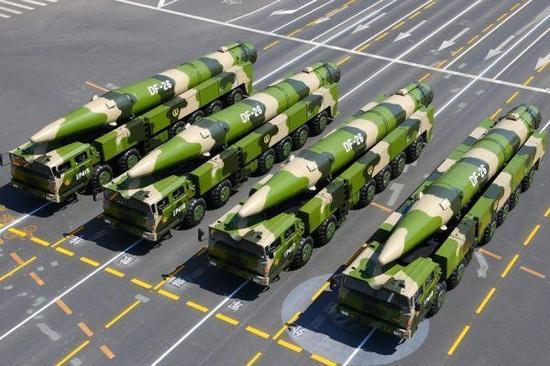 美国研2款导弹 专门对付中国东风-26