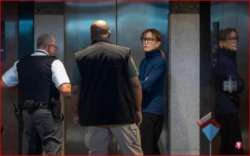 美名校招生丑闻 12名被告均不认罪