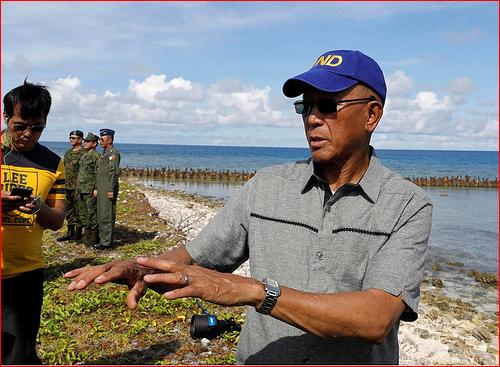 数百中国船只逼近 菲律宾向北京提抗议