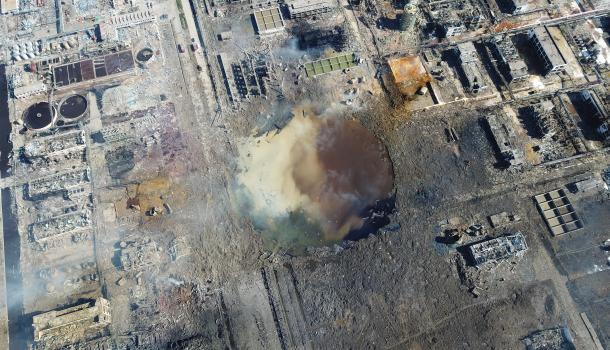 住在炸药桶边上 中国化工厂为何爆不停?