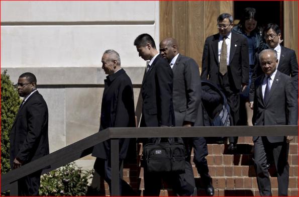刘鹤在美谈判期间多次遭访民拦截