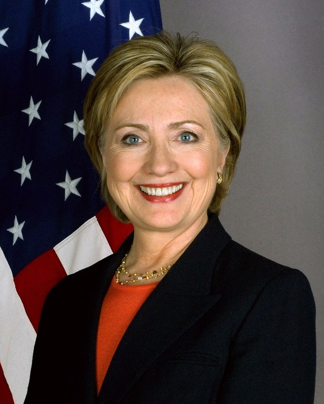 1200px-Hillary_Clinton_official_Secretary_of_State_portrait_crop.jpg