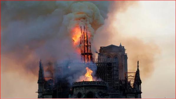 YouTube出丑 误把圣母院大火当911事件