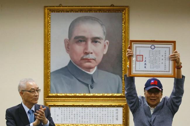 郭台铭:妈祖支持他改善经济和两岸关系