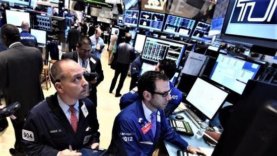 美股接近历史新高背后 流动性持续低迷