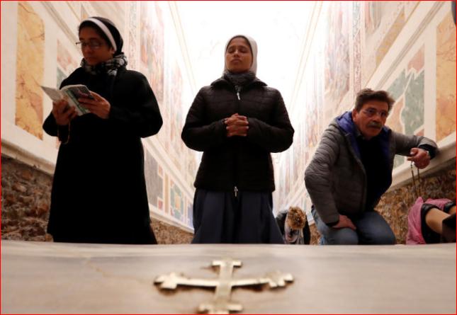 """梵蒂冈""""圣阶""""300年来首开放"""