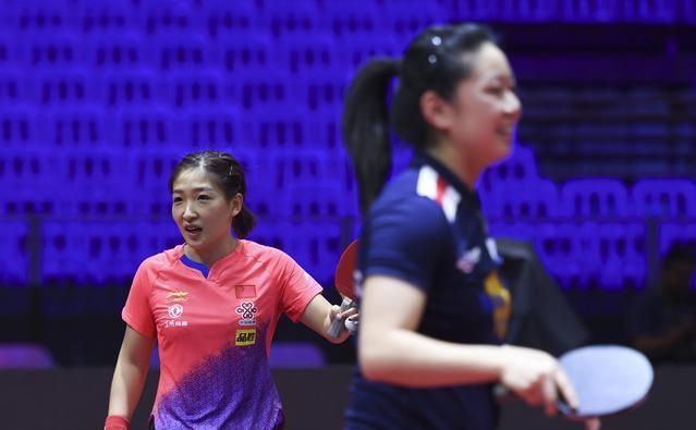 中美乒乓球队合练   备战世乒赛