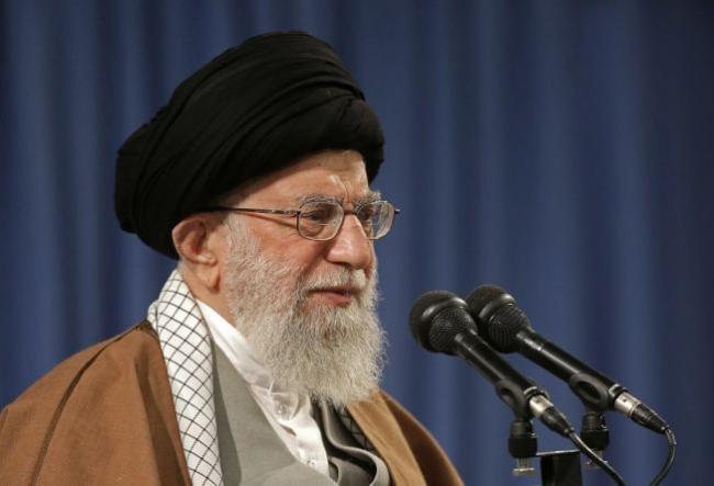 买伊朗石油美国祭制裁 伊朗强烈回应