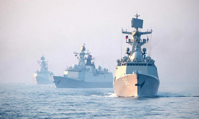 中俄海军最近在黄海联合演习.jpg