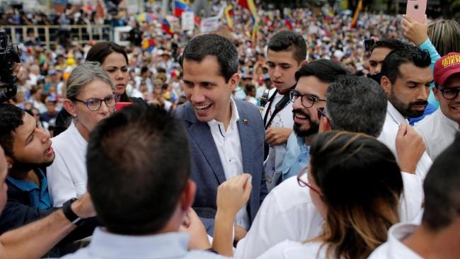 委内瑞拉瓜伊多希望外国军事介入