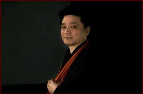 """王沪宁导演""""小崔道歉"""" 转移贸战视线"""