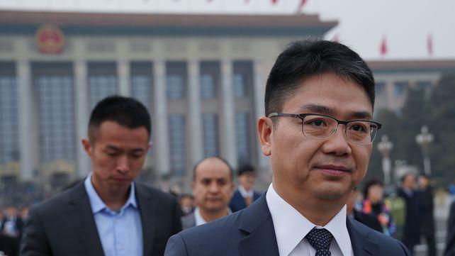 刘强东退出翠宫饭店 最强女助理也卸任