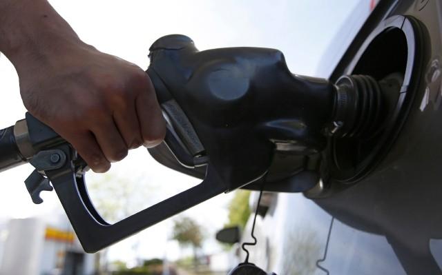 加国卑诗省油价居高不下 政府介入调查