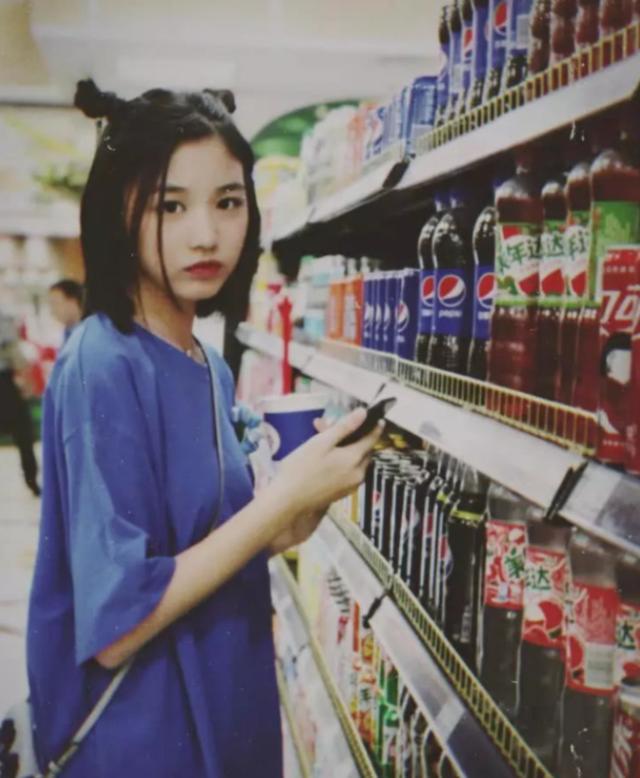 汪峰14岁女儿近照曝光 颜值惊艳
