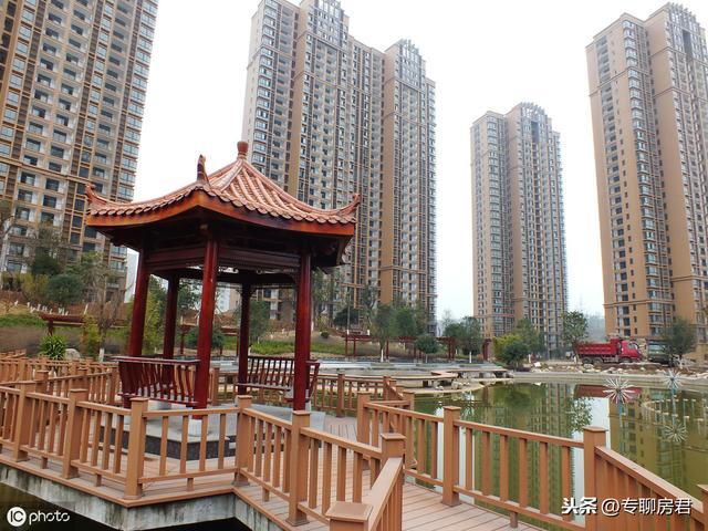 现市价100万中国房产2025年市值多少?