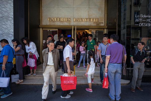 十年来首次!中国来美游客开始下滑
