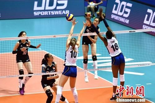 大逆转!中国女排击败意大利夺冠