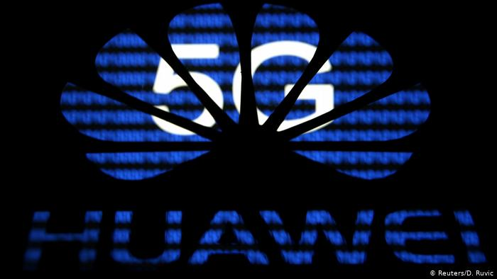 5G und Huawei Logo (Reuters/D. Ruvic)