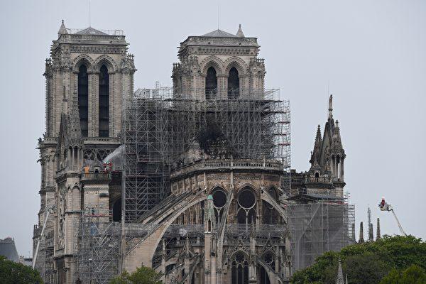 还有坍塌危险 巴黎圣母院捐款承诺大部分未落实