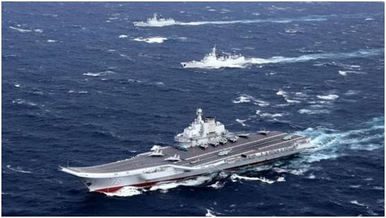 """辽宁舰穿越台湾海峡 台""""国防部""""遭狂批"""