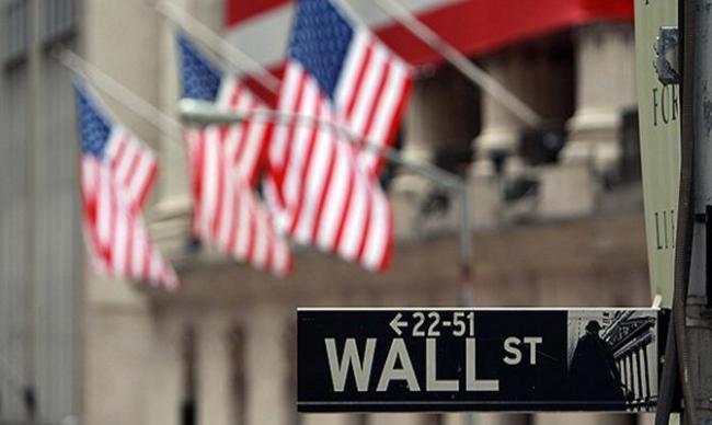 警报:未来一年内美国经济陷入衰退概率升至64%