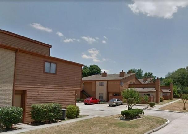 美国两持枪狂徒光天化日闯寓所抢劫 轰毙2岁幼童