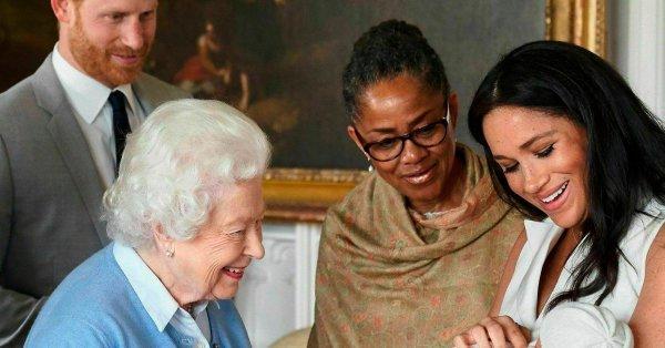 惊天新闻:英女王今秋退隐 威廉王子没戏