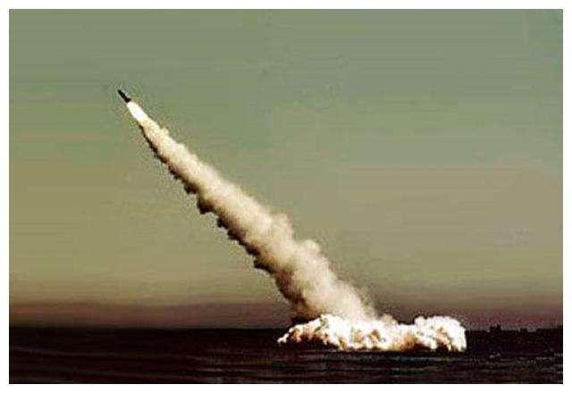 中国在南沙试射导弹?国防部:实弹演习在海南岛