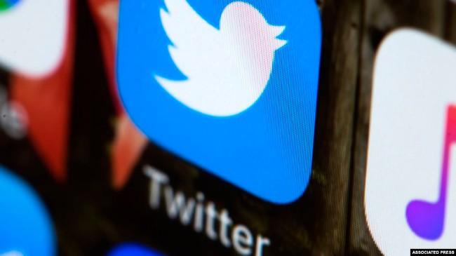 川普召开社交媒体峰会,推特脸书未受邀