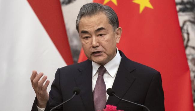王毅强硬表态:美国不要一错再错,更不要玩火