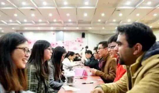 清华人才流失严重 80%留学生定居美国