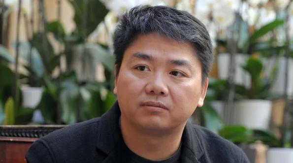 向大V索赔300万 刘强东性侵不让说?