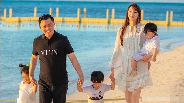 吴佩慈宣布怀第四胎:下周满3个月 是女宝宝