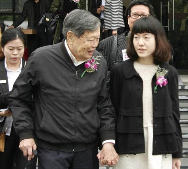 娶小54岁翁帆 96岁杨振宁自爆长寿三大秘密