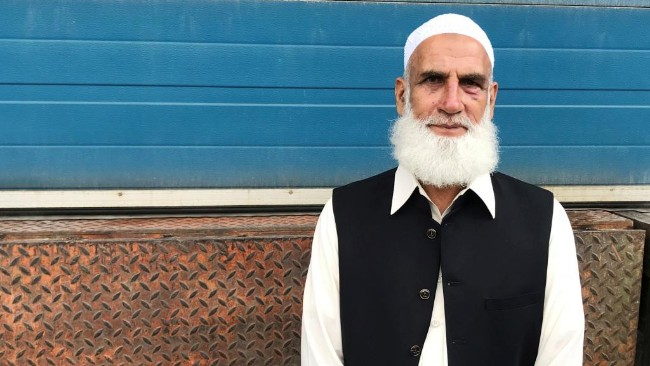 挪威青年枪击清真寺  被巴基斯坦前军官制服