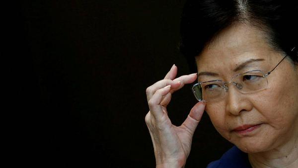 香港困局滑向危局:林郑寸步不让逼港人上梁山?