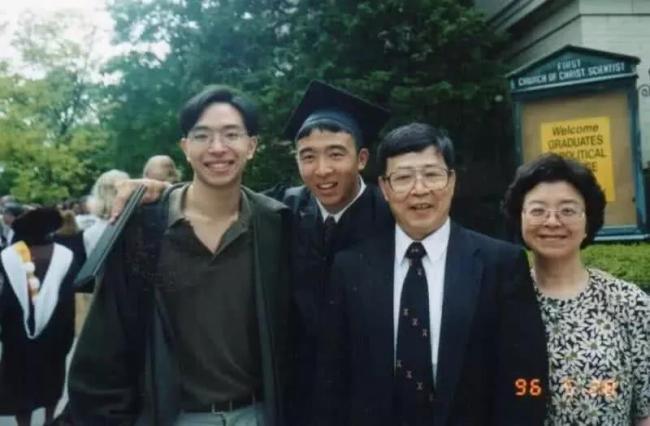 美国第一位华裔总统真的来了?