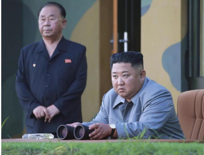 金正恩再指导新型武器试射 满意测试结果