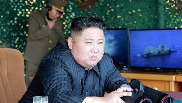 朝鲜再次试射新型武器 金正恩现场指导