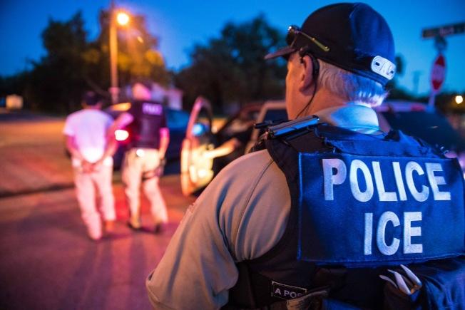无证华男告雇主欠薪 刚见雇主即被ICE逮捕
