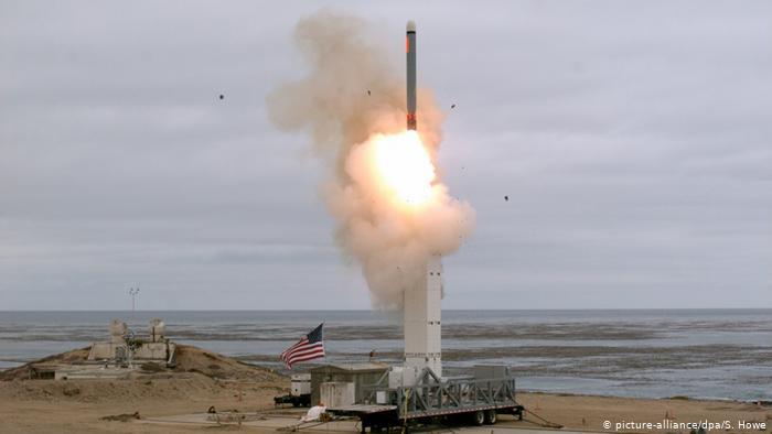 俄中谴责美国试射中程导弹 新军备赛开演?
