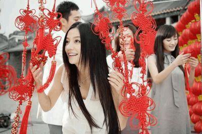 10年前赵薇的拉芳广告 背景板全是一线巨星