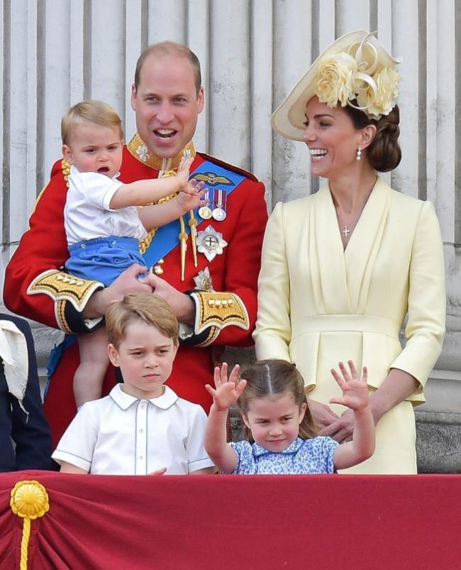 威廉王子全家搭廉航度假 1人仅73英镑